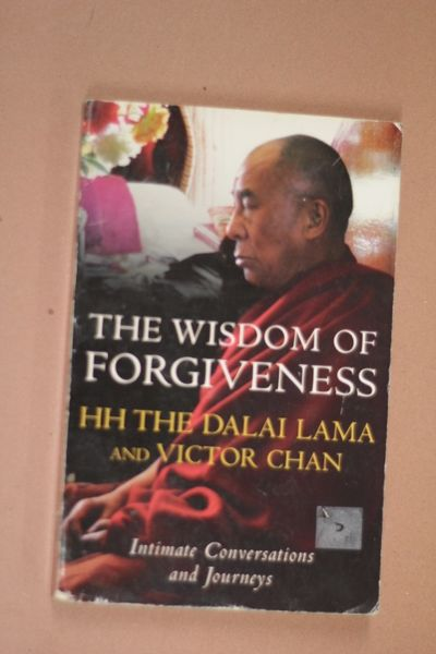 The Wisdom Of Forgiveness: Intimate Conversations and Journeys, The Dalai Lama (käytetty)