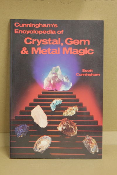 Cunningham's Encyclopedia of Crystal, Gem & Metal Magic - Scott Cunningham (käytetty)